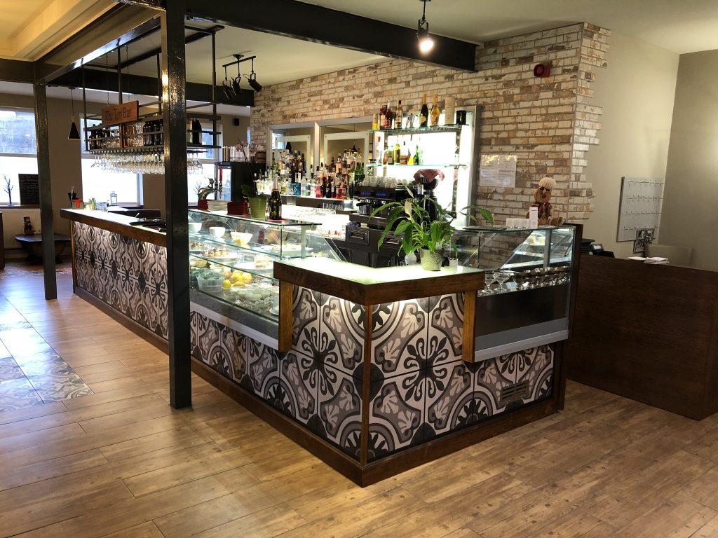 Santa Marina main bar